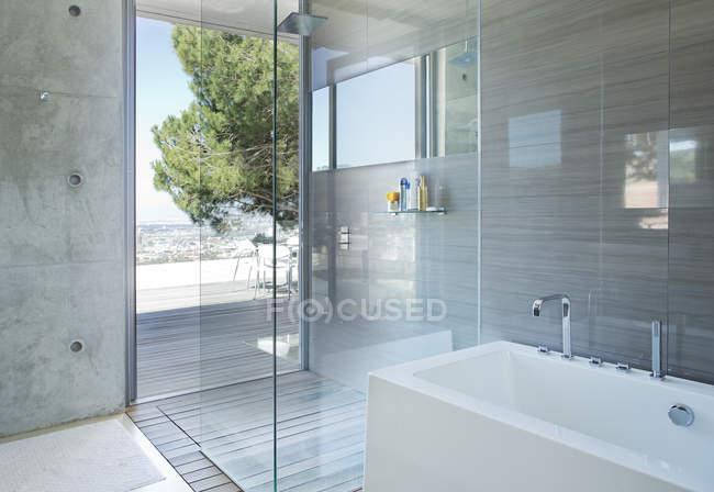 Bagni Con Doccia E Vasca Moderni : Doccia e vasca in bagno moderno u2014 la progettazione box doccia