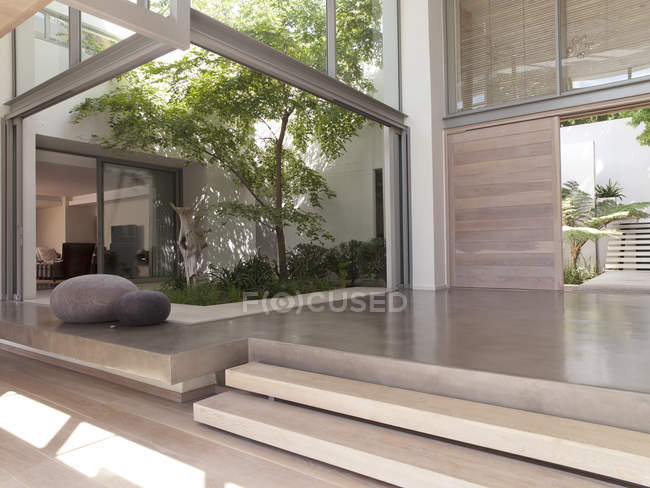 Modern foyer with courtyard — Stock Photo