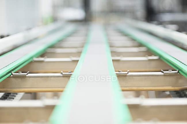 Закрыть из конвейера на заводе — стоковое фото