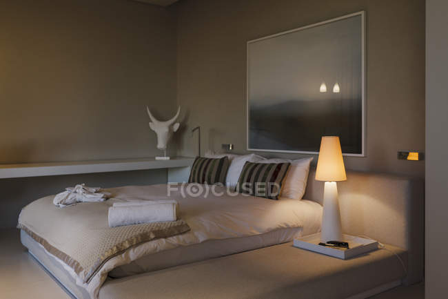 Cozy modern bedroom interior view — Stock Photo