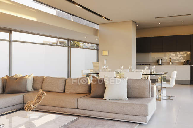Modern open floor plan interior — Stock Photo