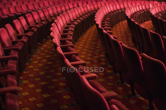 Seats in empty theater auditorium — Stock Photo