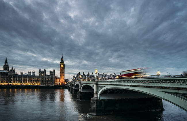 Clouds over Big Ben and Houses of Parliament, London, United Kingdom — Stock Photo