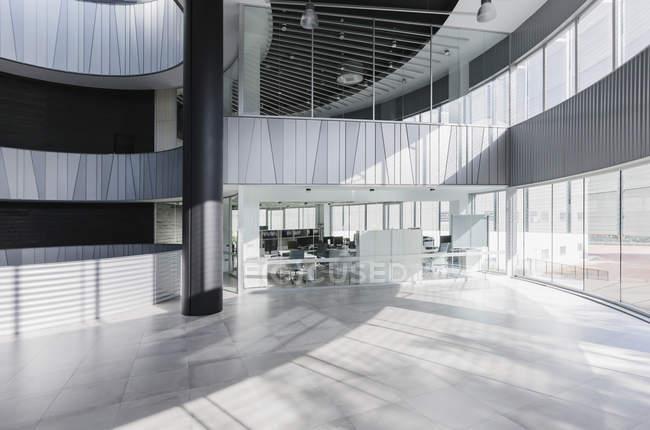 Moderno studio di architettura lobby interno — Foto stock