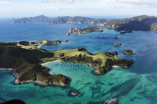 Мальовничим видом бухти острова, Північного острова, Нова Зеландія — стокове фото