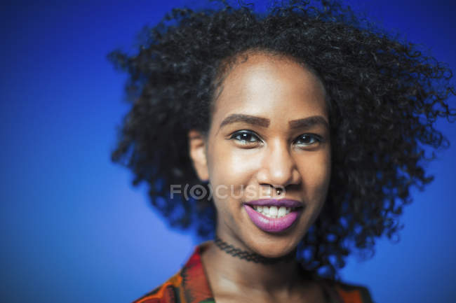 Portrait smiling, confident young woman — Stock Photo