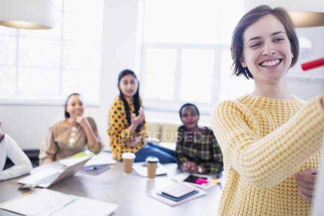 Businesswomen brainstorming in conference room meeting — Stock Photo