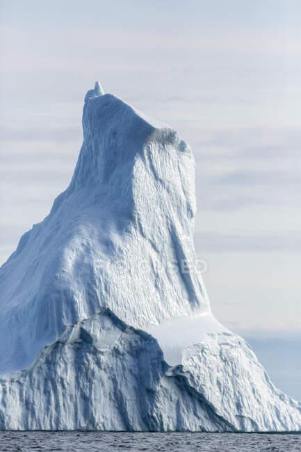 Majestoso iceberg alto Groenlândia — Fotografia de Stock