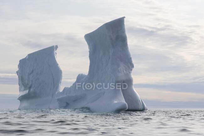 Formação de iceberg sobre o Oceano Atlântico Gronelândia — Fotografia de Stock