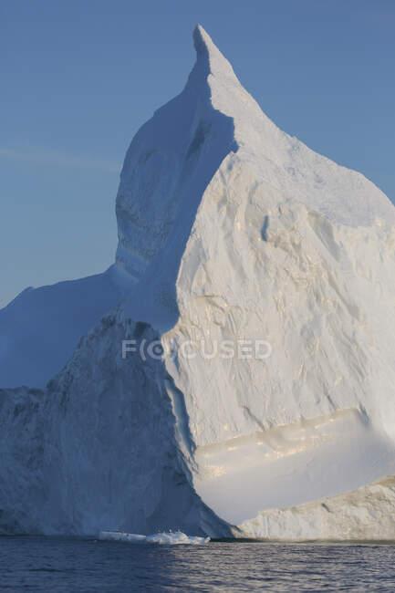 Majestic iceberg in Greenland — Stock Photo