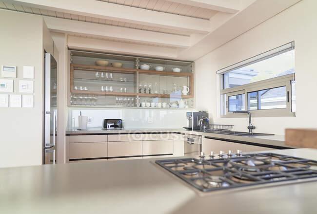 Modern home showcase interior kitchen — Stock Photo