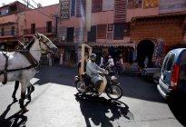 September 30, 2010. Morocco, Marrakesh. Traffic on street — Stock Photo