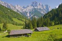 Hütten in den Alpen, Berchtesgadener Land, Bindalm — Stockfoto