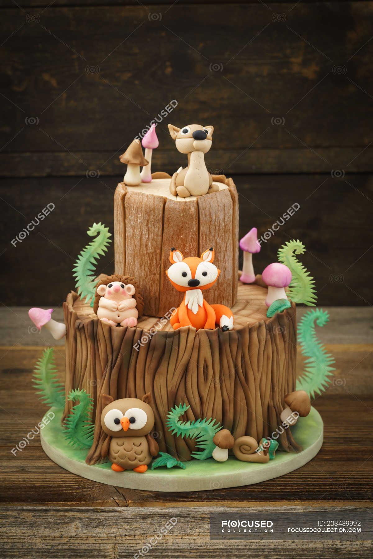 Pleasing Cake With Marzipan Forest Animals Birthday Cake Fox Fondants Funny Birthday Cards Online Benoljebrpdamsfinfo
