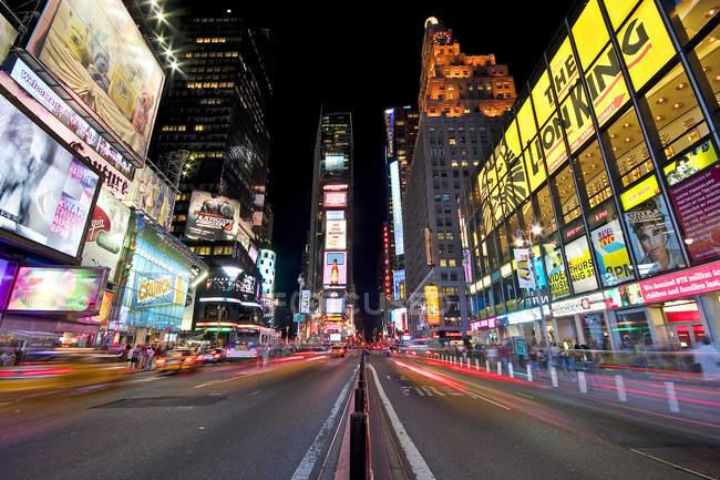 Нью-Йорк ночью, Рокфеллеровский центр — стоковое фото