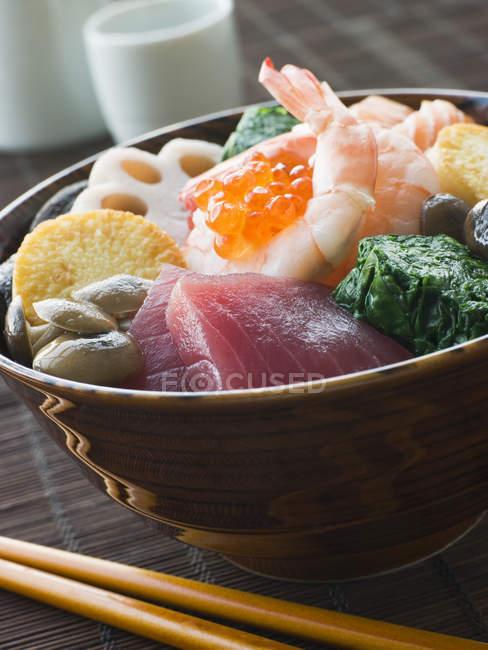 Traditional japanese chirashi sushi bowl, closeup — Stock Photo