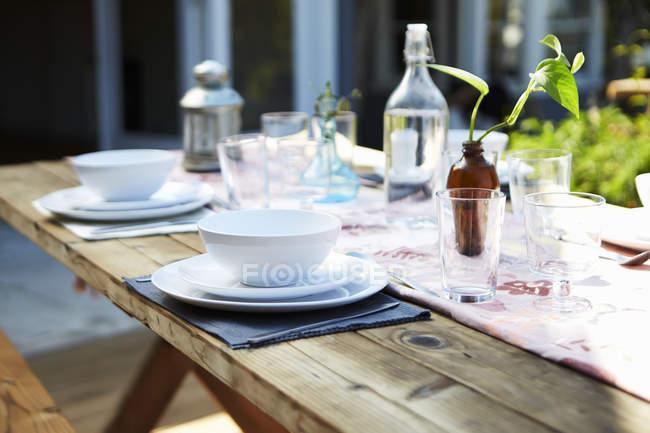 Місце встановлення, посуду на обідній стіл — стокове фото