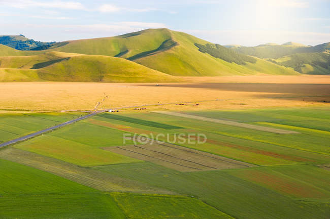 Terrain paysage de collines à Castelluccio — Photo de stock