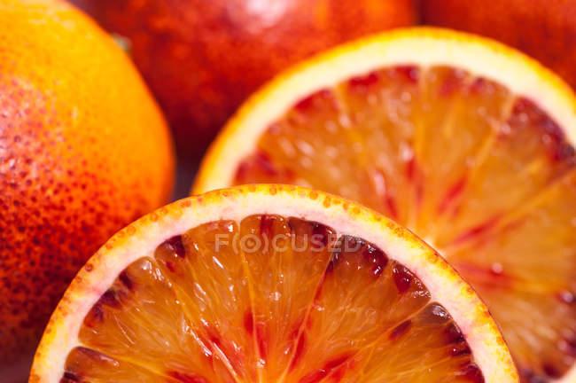 Cortado de piezas naranja, marco completo - foto de stock
