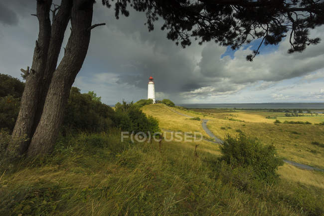 Farol em Prado, na costa do mar, no norte da Alemanha — Fotografia de Stock