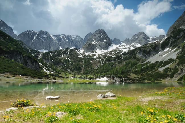 Alpen Berge und See, Tirol seebensee — Stockfoto
