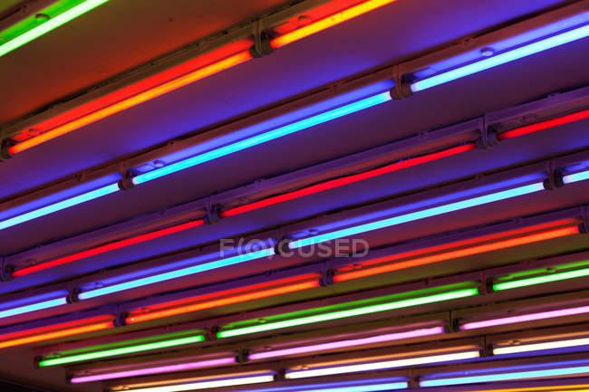 Luzes de néon coloridas, quadro completo — Fotografia de Stock