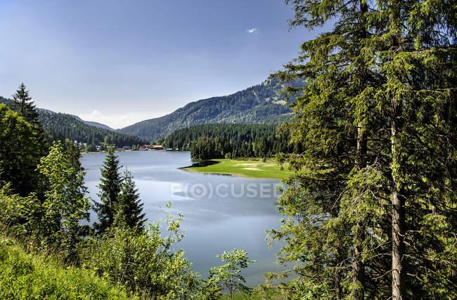 Lac Spitzingsee en Bavière, Allemagne — Photo de stock