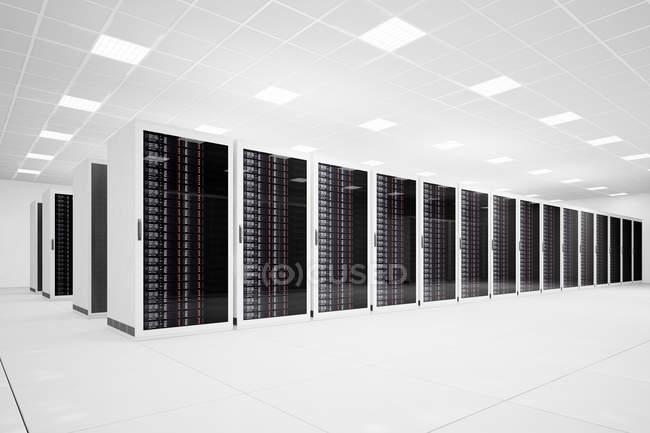 Белая комната с компьютеров службы щиты — стоковое фото