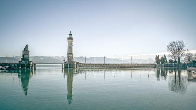 Вход в гавань с маяка, Бавария — стоковое фото