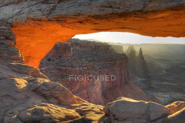 Acantilados del Gran Cañón y amanecer - foto de stock