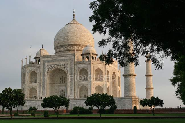 Taj mahal in India, journey and vacation — Stock Photo