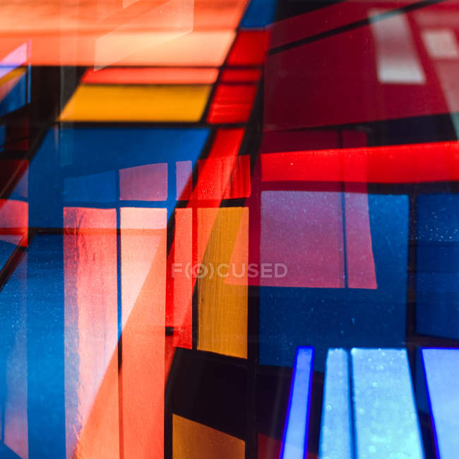 Facciata luminosa architettura moderna, vetrate — Foto stock