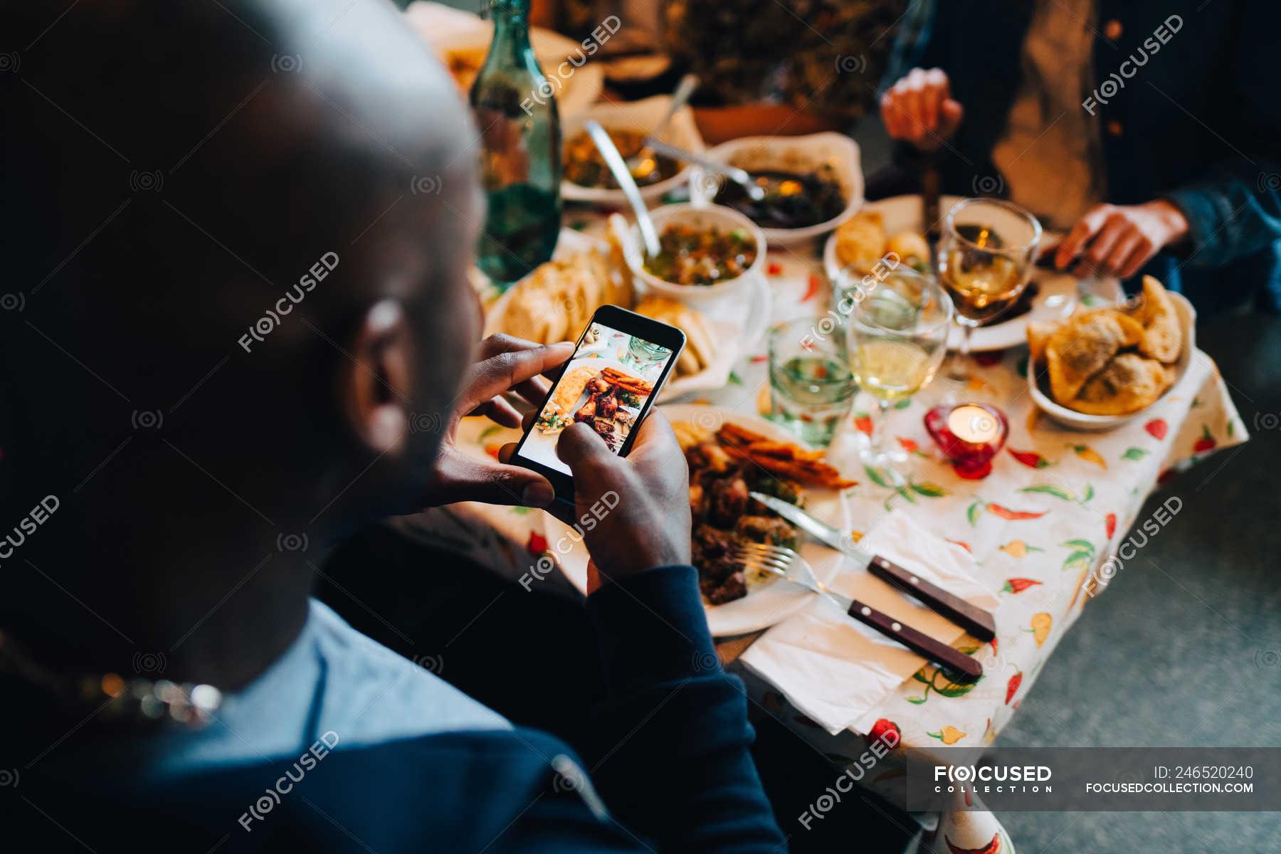 как правильно фотографировать людей в ресторане про глупых