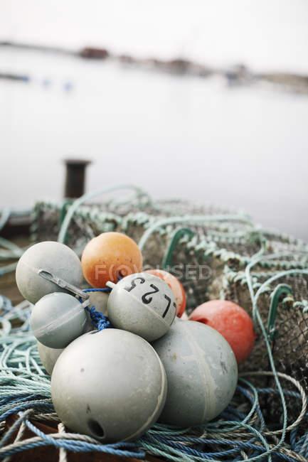 Gros plan de la bouée d'équipement pêche — Photo de stock