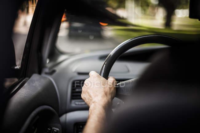 Bild der männlichen Hand Auto beschnitten — Stockfoto