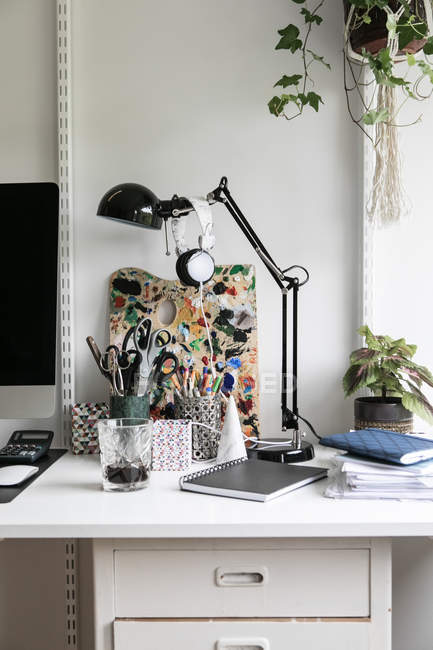 Office supplies on desk at home — Stock Photo