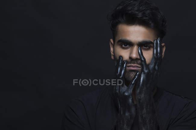 Ritratto di un uomo profondo nella depressione — Foto stock