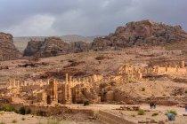 Йорданія, Маана Gouvernement, Петра район, легендарний рок місто Петра, повітряних скелястий ландшафт — стокове фото