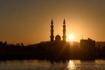 Egitto, Assuan Gouvernement, Assuan, Qismo Assuan nel tramonto scenico — Foto stock