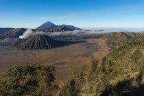 Indonesia, Java Timur, Probolinggo, volcano Bromo, Batok and Semeru — Photo de stock