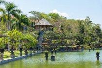 Индонезия, Бали, Karangasem, Сад комплекс замока воды Абанг, известного туристического назначения — стоковое фото