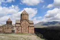 Вірменія, Арагацотн провінції, Оганаван, Hovhannavank монастир — стокове фото