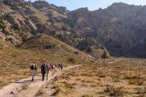 Узбекистан, Ташкентская область, Bustonlik tumani, люди, походы в горах Чимгана — стоковое фото
