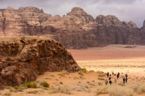 Jordan, Aqaba Gouvernement, Wadi Rum, Wadi Rum is a desert high plateau in South Jordan — Stock Photo