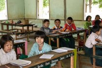 Myanmar (Burma), Mandalay Region, Taungtha, Taung Ba, Mandalay Province, Taung Ba Primary School — стоковое фото