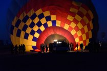 Повітряна куля підготовки для польотів над Луксор, уряд Луксор, Єгипет — стокове фото