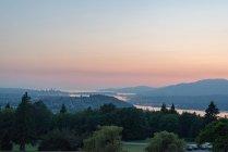 Canada, Colombie-Britannique, Vancouver, Vue aérienne du soir à Vancouver — Photo de stock