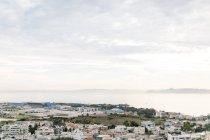 Griechenland, Attika, Athina, Häuser und Flugplatz in Athen, Blick auf Athen und die vorliegenden Inseln von oben — Stockfoto