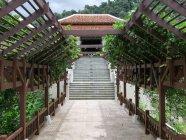 Thailand, Chang Wat Phang-nga, Tambon Khuekkhak, Laguna Resort, Khao Lak, stairway of hotel facility situated in green park — Stock Photo