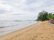 Thailand, Chang Wat Phang-Nga, Tambon Khuekkhak, Sandstrand im Laguna Resort in Khao Lak — Stockfoto